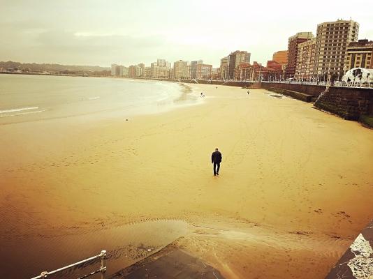 spain-gijon-beach